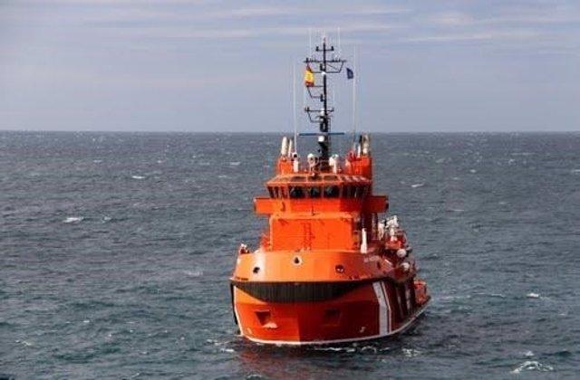 Efectivos de Salvamento Marítimo rescatan a 31 inmigrantes de una patera