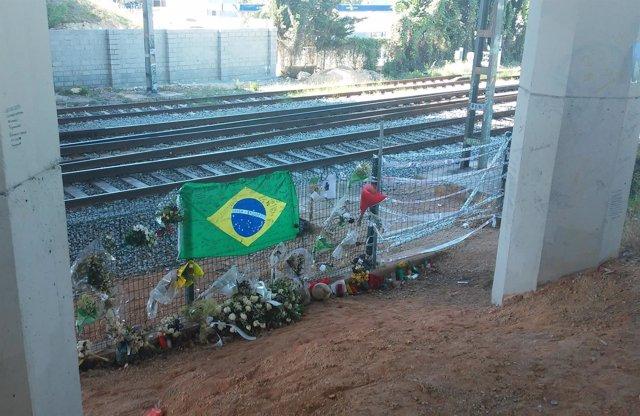Imagen de la zona por la que el joven cruzó las vías de tren en Castelldefels