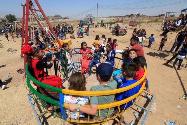 Niños jugando en Mosul, Irak