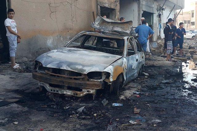 Daños tras un ataque en Benghazi