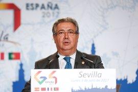 """Zoido dice que España sufre una """"presión importante"""" en sus puertos por el aumento del flujo desde Marruecos"""