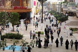 Un incendio consume el mayor centro comercial de Kuwait