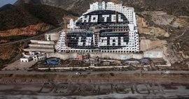"""Greenpeace recaba en redes sociales """"ideas arriesgadas"""" para exigir la demolición del Algarrobico"""