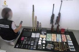 Doce detenidos de un clan familiar dedicado a la venta de cocaína en Lora del Río