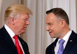 """Trump se compromete a apoyar a Polonia frente al """"comportamiento desestabilizador"""" de Rusia"""