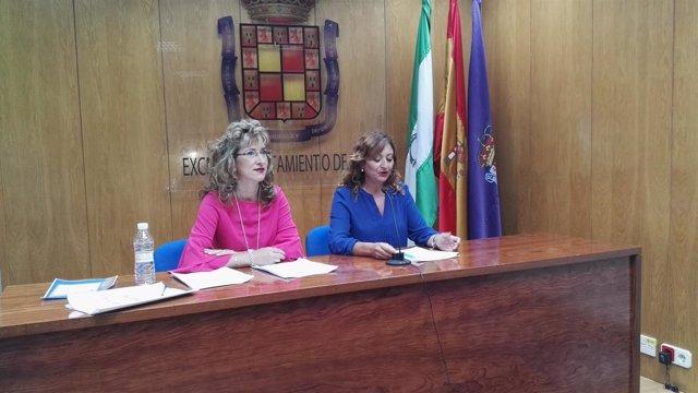 Rosa Cárdenas y Reyes Chamorro en la rueda de prensa