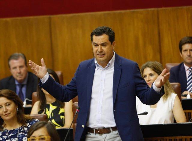 Juanma Moreno pregunta a Susana Díaz en el Parlamento andaluz