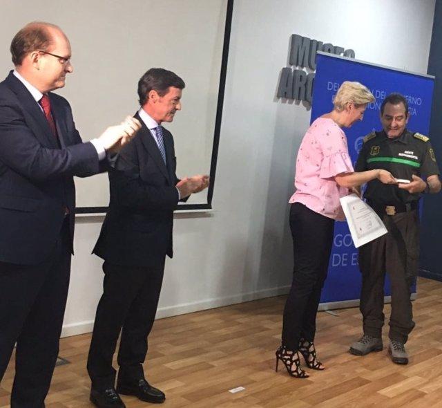 Brida recibe la medalla al Mérito de la Protección Civil