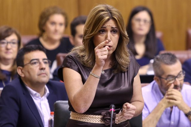 La presidenta de la Junta de Andalucía, Susana Díaz, en el Pleno del Parlamento