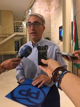 El portavoz del PP Jesús Ángel Garrido momentos antes de la Comisión