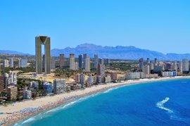 Hoteles del litoral prevén una ocupación del 83% en julio y se llegará al 91% en Benidorm