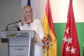 """Cifuentes asegura que """"no se va a quedar ningún niño sin escolarizar"""" en la Comunidad de Madrid"""