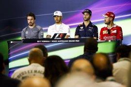 Hamilton y Vettel esquivan la posibilidad de tener a Alonso como compañero