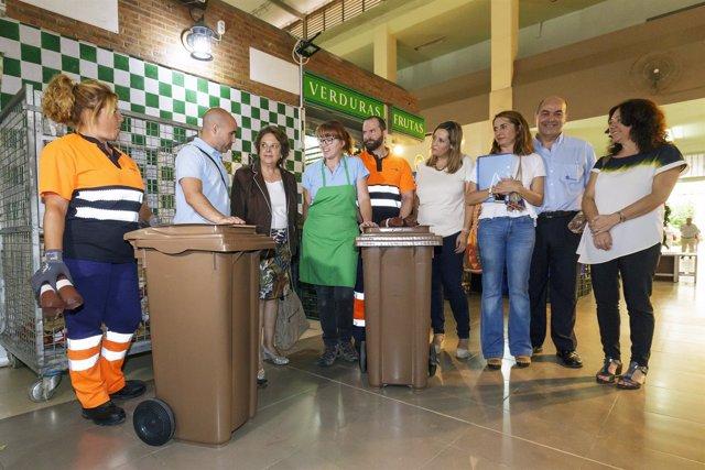 Sevilla 06/07/2017 Mercado De Pino Montano. La Delegada De Economía, Comercio Y