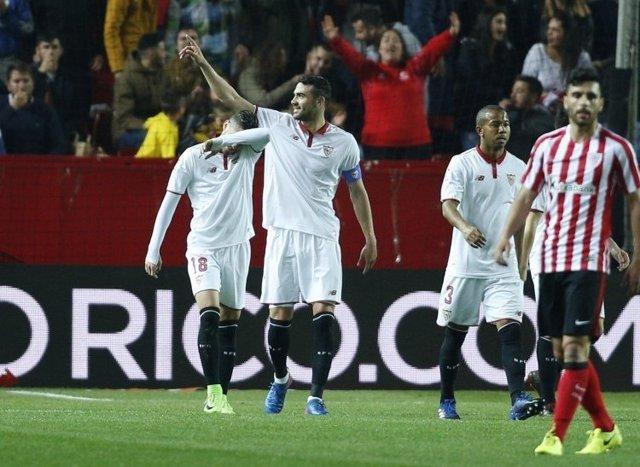 Vicente Iborra, del Sevilla, al partit davant l'Athletic Club