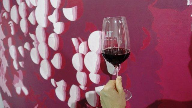 La Diputación Propone Un Maridaje De Vinos Y Arte En Requena En El Marco De Su R
