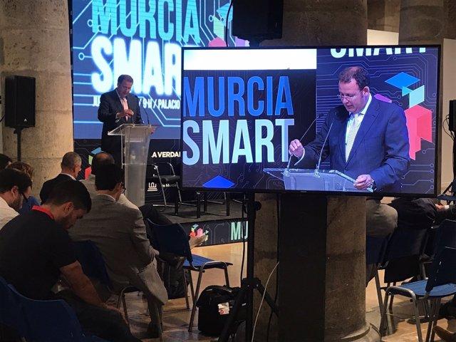 El Palacio Almudí acoge el I encuentro 'Murcia Smart'