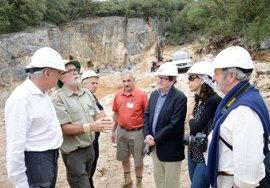Juan Manuel Bonet conoce de primera mano los trabajos de excavación de Atapuerca (Burgos)