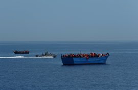 La UE insta a las ONG a coordinar sus acciones de rescate con los guardacostas libios