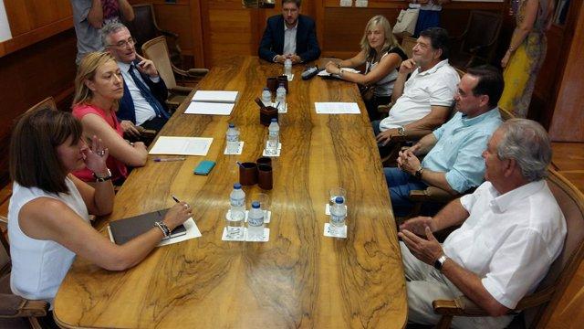 Marta Gastón y Joaquín Olona se reúnen con la Comisión de Barasona