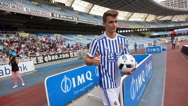 Diego Llorente se presenta con la Real Sociedad