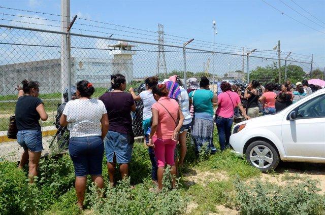 Aumentan a 28 los presos muertos por una pelea en una cárcel de Acapulco
