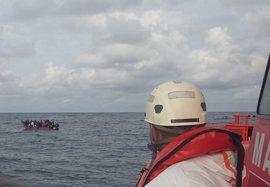 Rescatados 145 inmigrantes de dos pateras en aguas del Estrecho