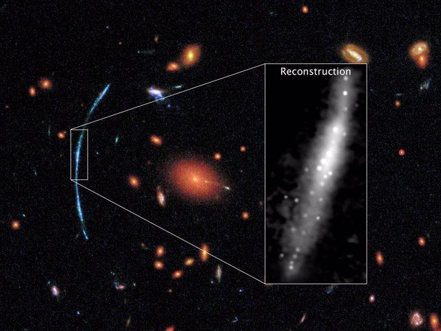 Amplificación de la galaxia observada por Hubble en lente gravitacional