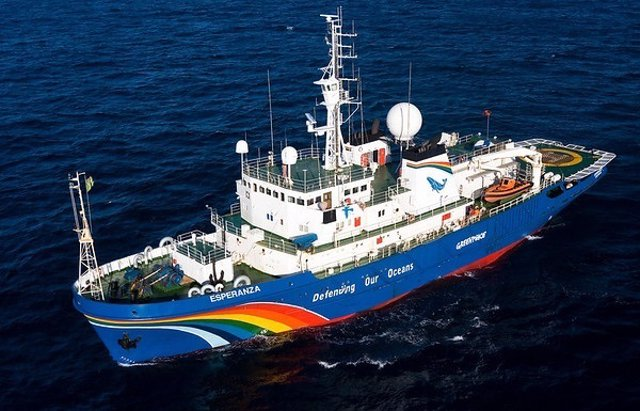 El buque 'Esperanza' de Greenpeace