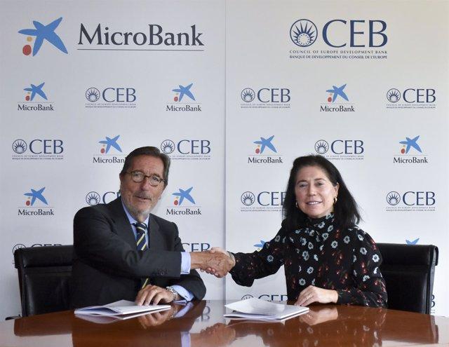 Antoni Vila (MicroBank) y Rosa María Sánchez-Yebra (CEB)