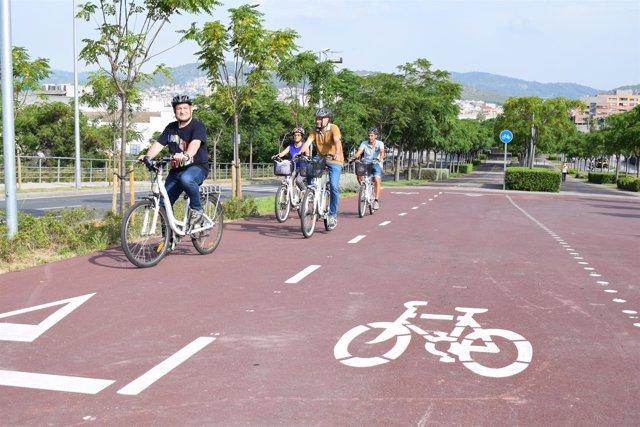 Inauguración de un tramo de carril bici en Viladecans