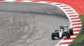 Hamilton manda en los primeros libres en Austria con Alonso en el 'Top 10'