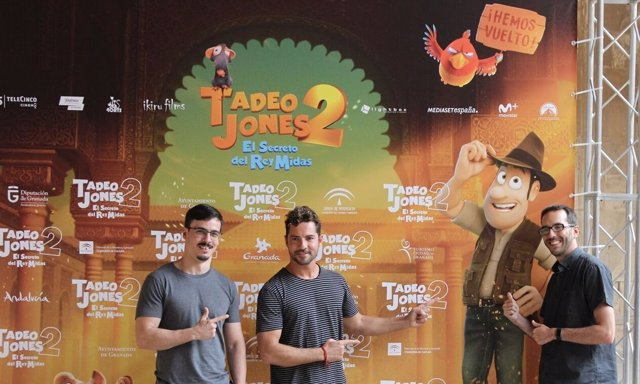 David Bisbal y los directores de Tadeo Jones