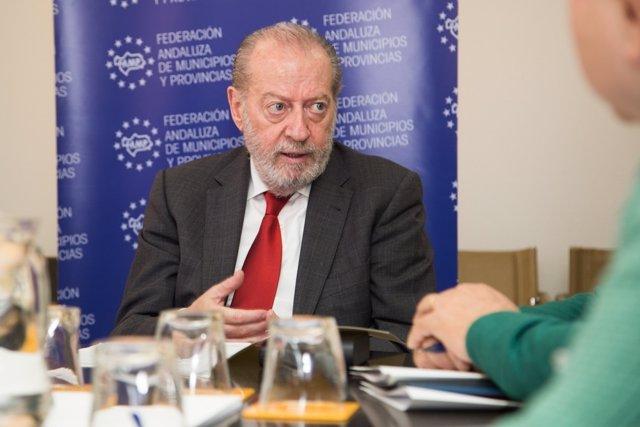 El presidente de la FAMP, Fernando Rodríguez Villalobos