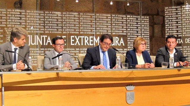 Acuerdo de Junta y diputaciones para renovar la flota de Cruz Roja