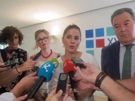 """Gil Rosiña exige al Gobierno unas comunicaciones """"dignas"""" para Extremadura que permitan su crecimiento económico"""