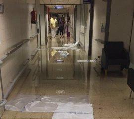 """Sindicatos censuran las """"inundaciones"""" causadas por las lluvias en hospitales que evidencian """"recortes"""" en mantenimiento"""