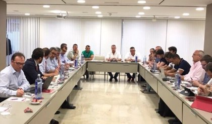 Sindicatos y patronal de la estiba registran su acuerdo en el Ministerio de Empleo
