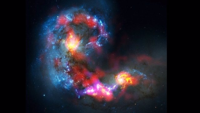 Galaxia  Antennae en una imagen de radio tomada por el observatorio ALMA