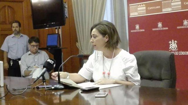 Isabel Ambrosio en la rueda de prensa