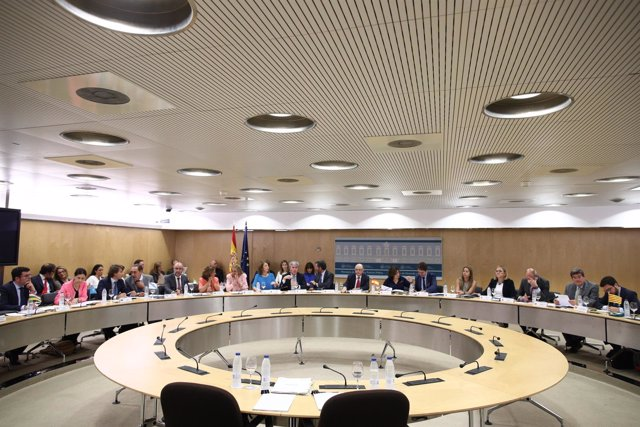 Santamaría y Montoro presiden la reunión del Consejo de Política Fiscal