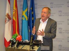 Aurelio Martín (IU) defiende que cualquier acuerdo en Gijón lo deben decidir las fuerzas políticas de la ciudad
