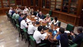 Los cuerpos de seguridad refuerzan la vigilancia en las playas y en el centro histórico de Málaga capital
