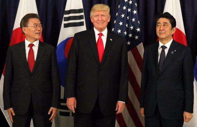 Moon Jae In, Donald Trump y Shinzo Abe