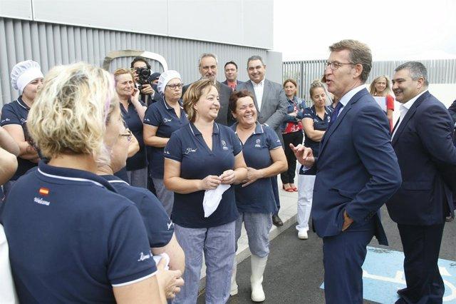 El presidente de la Xunta visita Conservas La Brújula