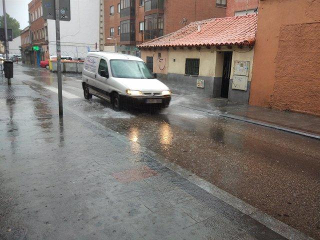 Imagen de la lluvia esta tarde en Madrid