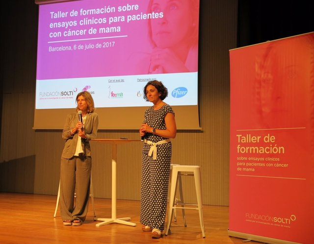 Judith Balmaña Y Cristina Saura Durante El Acto