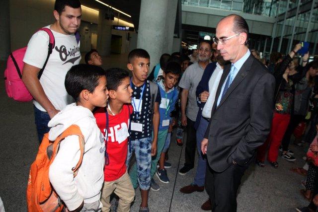 El conselleiro de Sanidade recibe a los niños saharauis