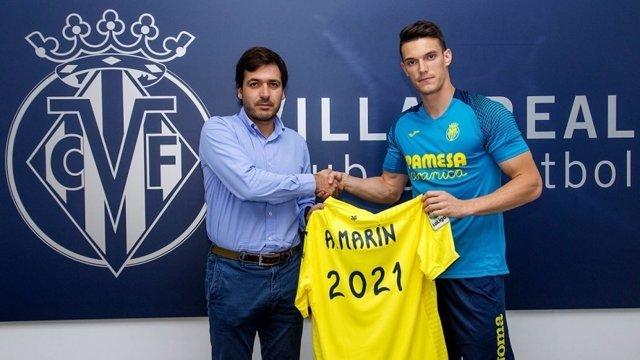 Adrián Marín renueva con el Villarreal