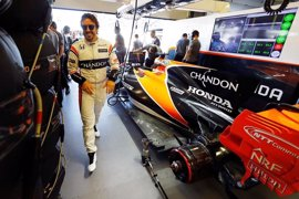 "Alonso: ""Hay ocho pilotos en dos décimas, veremos si estamos arriba o abajo"""